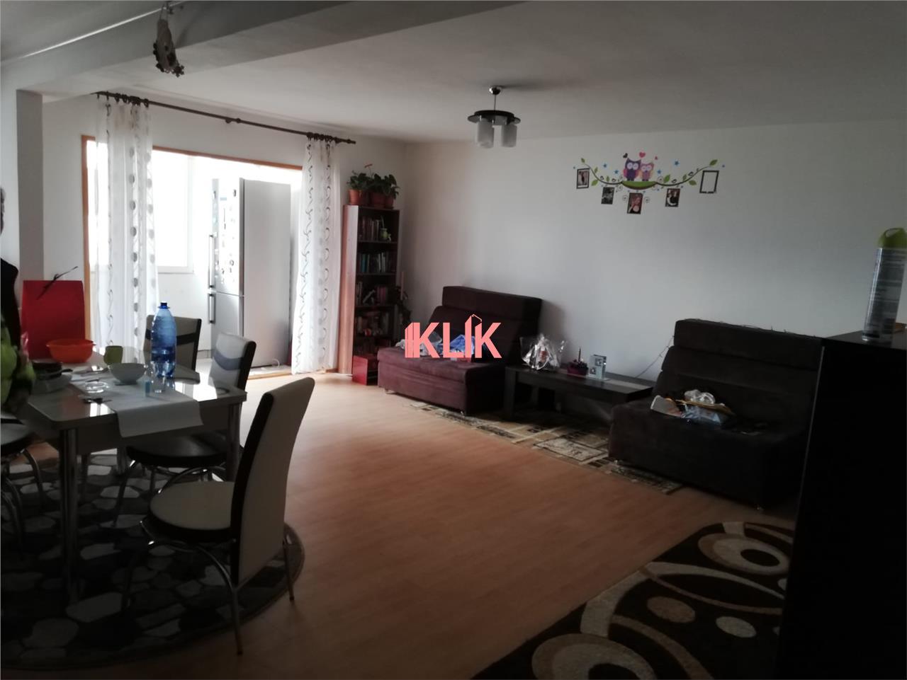 Apartament 2 camere, etaj intermediar, zona aerisita !