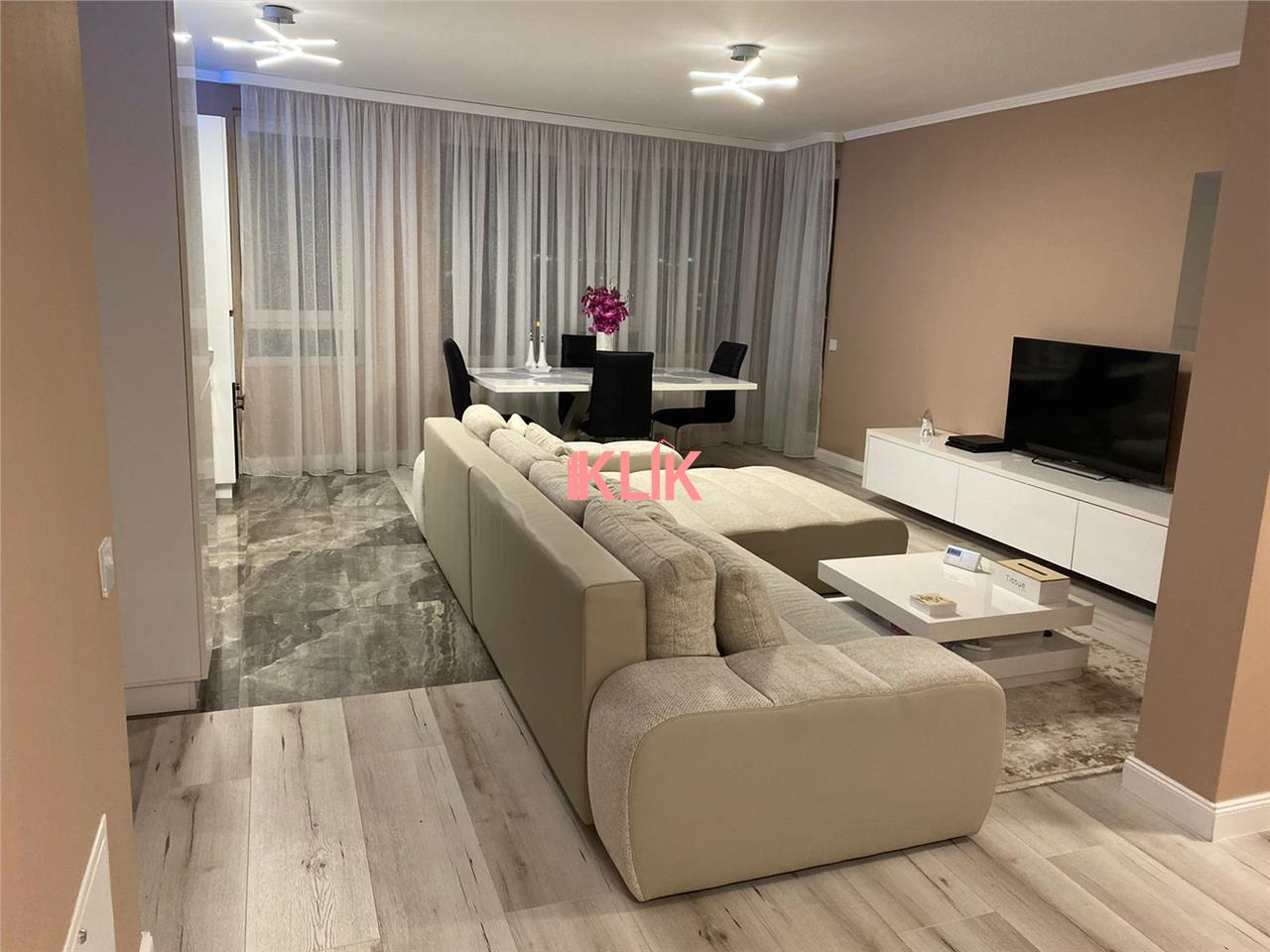 Apartament cu 3 camere ultrafinisat 80 mp in bloc nou zona Clujana