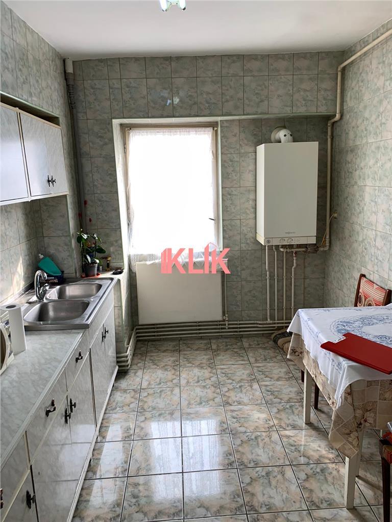 Apartament cu 3 camere in Zorilor, 2 bai, zona P-ta Zorilor !