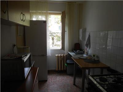 Apartament 4 camere decomandat et 1