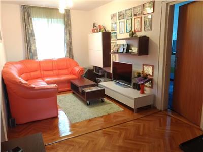 Apartament 4 camere decomandat finisat zona Olimpia