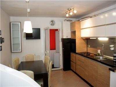 Apartament 2 camere decomandat mobilat si cu parcare