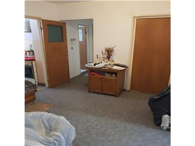 Apartament 4 camere decomandat zona Nora