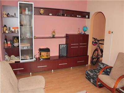 Apartament 3 camere etaj 2 zona BIG ( Carrefour )