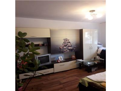 Apartament 2 camere decomandat etaj intermediar zona Parcul Primaverii