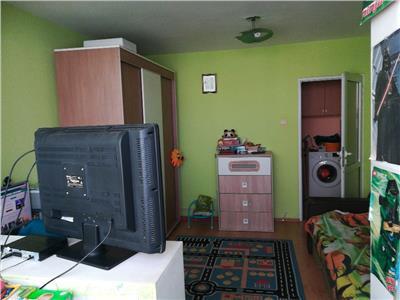Apartament 2 camere decomandat etaj intermediar zona BIG ( Carrefour )