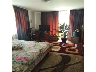 Apartament 3 camere confort sporit zona strazii Campului