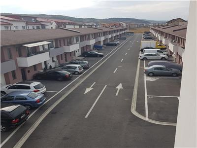 Apartament semifinisat cu parcare inclusa in curte privata