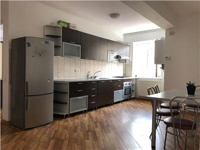 Apartament cu 3 camere bloc nou zona Hotel Paradis