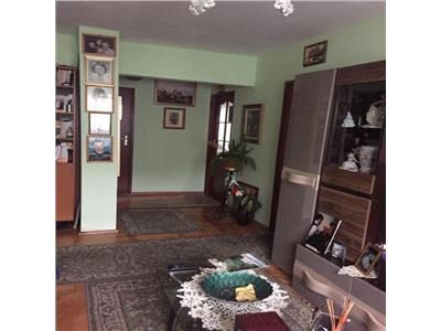Apartament 4 camere decomandat etaj 3 zona Grigore Alexandrescu