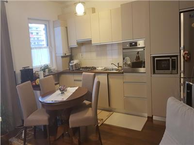 Apartament cu 3 camere mobilat si utilat in Buna Ziua