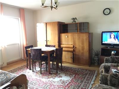 Apartament 4 camere decomandat etaj 3 zona Pritax