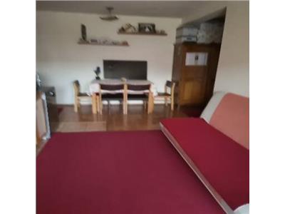 Apartament cu 3 camere cu parcare inclusa