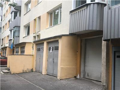 Apartament 3 camere decomandat cu garaj zona Coloane