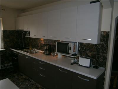 Apartament cu 3 camere in Marasti, zona Aurel Vlaicu !