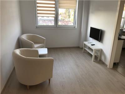 Apartament 2 camere de inchiriat lux bloc nou Intre Lacuri