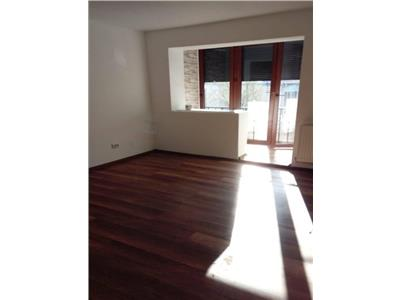 Apartament 2 camere superfinisat etaj intermediar