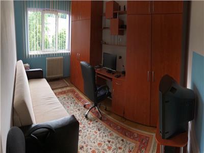 Apartament 4 camere decomandat zona Sirena