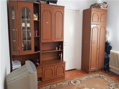 Apartament cu 3 camere zona Brancusi