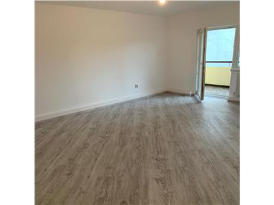 Apartament cu 3 camere in Manastur, total renovat, zona P-ta Flora !