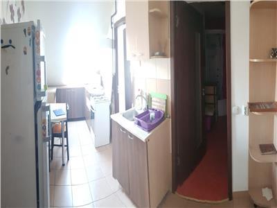 Apartament 2 camere, partial mobilat si utilat cu parcare