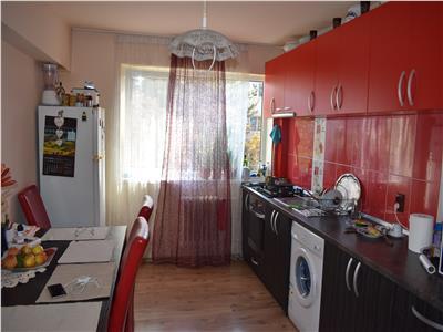 Apartament cu 4 camere in Manastur, zona Casa Piratilor !