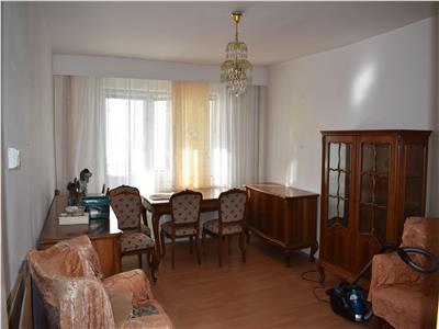Apartament cu 3 camere in Manstur, 2 balcoane, zona Big !