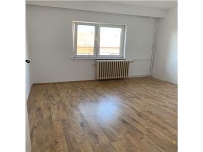 Apartament cu 2 camere decomandate in Zorilor, zona Sigma Center !