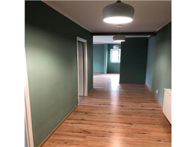 Apartament 2 camere finisat cu loc de parcare