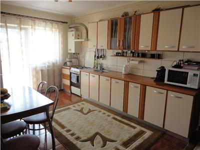 Apartament 3 camere finisat + parcare !