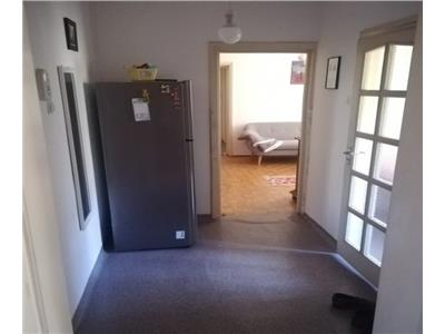 Apartament 3 camere zona Mercur