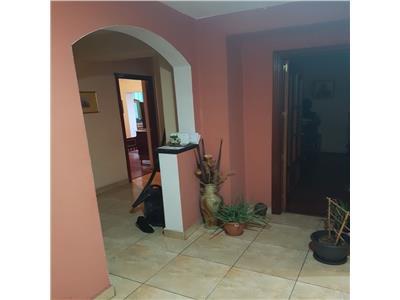 Apartament 4 camere decomandat etaj 2/4 in Manastur zona Billa ( Supeco )
