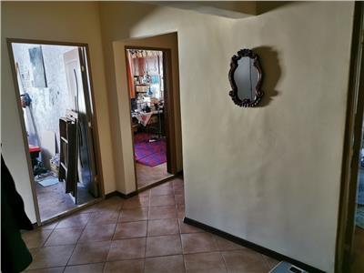Apartament 3 camere decomandat etaj intermediar in Manastur zona OMV
