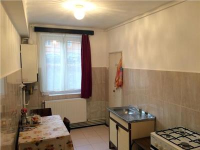 Apartament cu 3 camere in zona strazii Horea