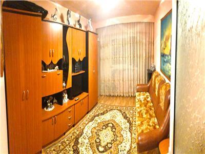 Apartament 2 camere decomandat etaj 2 Intre Lacuri zona Iulius Mall