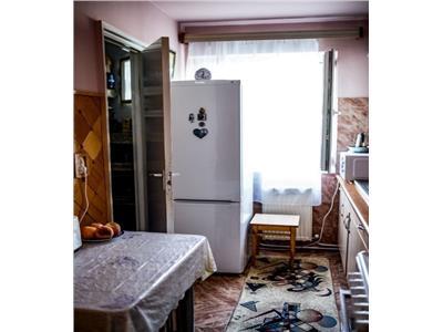 Apartament 4 camere decomandat etaj 1 in Manastur zona Olimpia