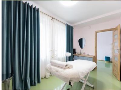 Apartament 3 camere ultrafinisat cu 2 locuri de parcare in Gheorgheni