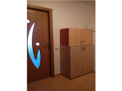Apartament 2 camere, suprafata generoasa + parcare !