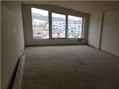 Apartament 4 camere pe 2 niveluri