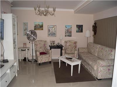Apartement 3 camere, etaj intermediar cu parcare in pret !