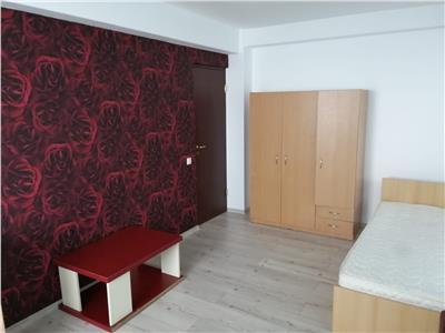 Apartament cu 2 camere decomandat in zona Grand Hotel Italia