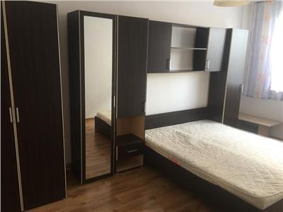 Apartament 2 camere decomandat etaj 2 zona MOL