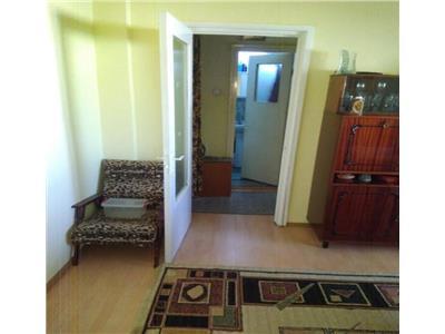 Apartament 5 camere decomandat etaj intermediar zona Piata Ion Mester