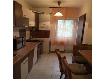 Apartament cu 4 camere decomandat in zona strazii Zorilor