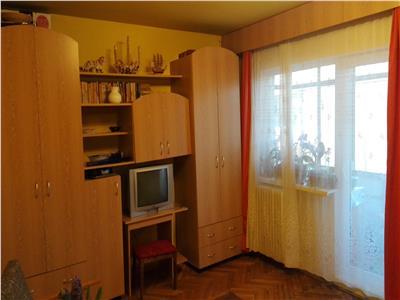Apartament 3 camere decomandat zona Kaufland