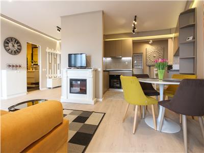 Apartament mobilat modern cu parcare, bloc nou, zona centrala