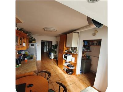 Apartament 2 camere decomandat etaj intermediar zona Iulius Mall!!