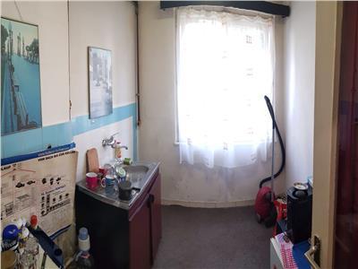 Apartament 2 camere zona strazii Petuniei