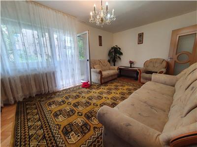 Apartament 3 camere decomandat mobilat si utilat cu garaj si boxa