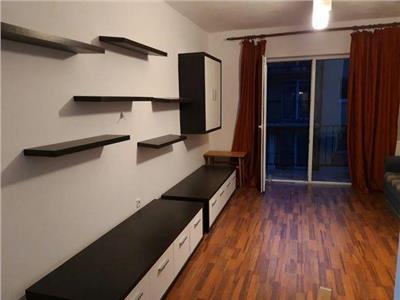 Apartament 2 camere, etaj intermediar, parcare in pret !